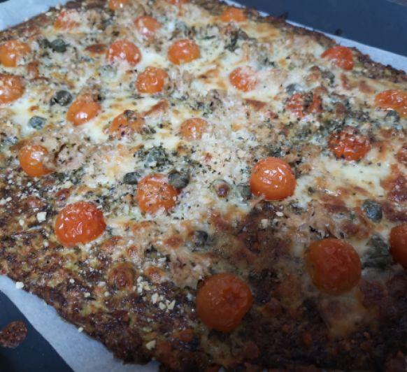 Pizza keto con base vegetariana