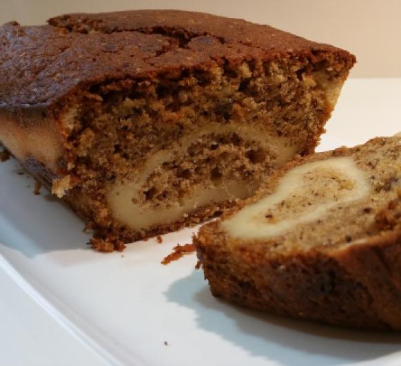 Pan de plátano relleno de crema de queso (Cream Cheese-Filled Banana Bread), con Thermomix®