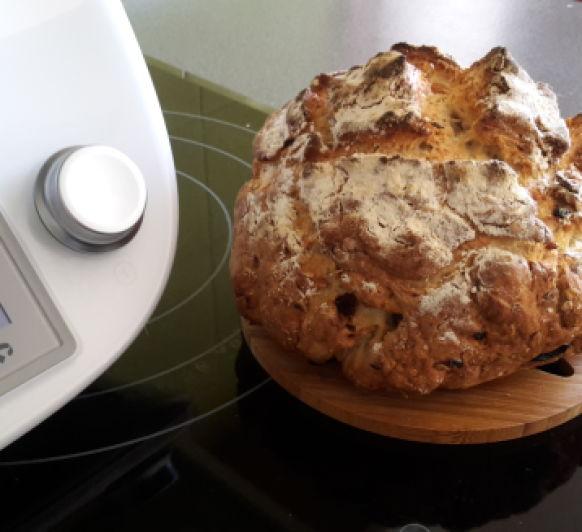 Pan rápido con muesli, sultanas y frutos secos