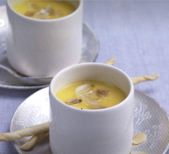Sopa de calabaza, curry y almendras- Viva el invierno