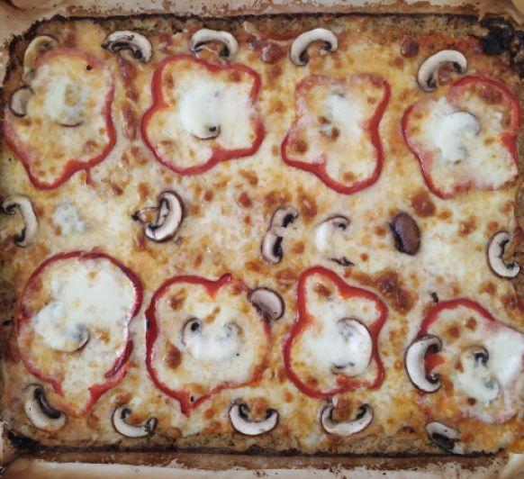 Pizza con base de coliflor, con Thermomix®