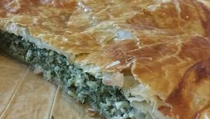 Spanakopita, pastel griego con espinacas y queso feta, con Thermomix®